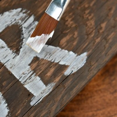 DIY: Make Your Own Rustic Signs