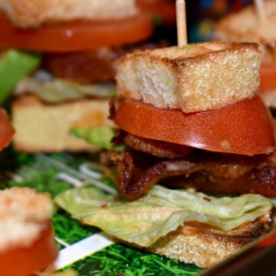 Mini BLTs with Avocado and Spicy Sriracha Mayo
