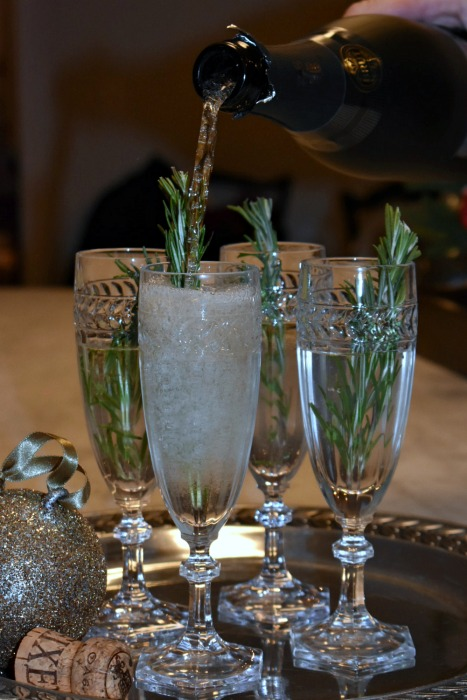 A Sparkling Christmas Cocktail