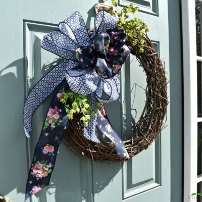 A Loopy Bow for an Inexpensive Wreath