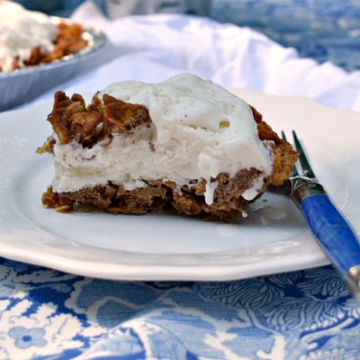 Jude's Simple Summertime Ice Cream Pie #icecreampie #summertimedessert #icecreamdessert #simpledessertideas