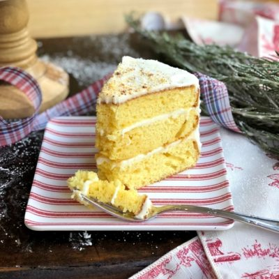 Easy Spiked Eggnog Cake for Entertaining #eggnogcake #spikedeggnogdessert #eggnogdessert #cakemixcakes #christmascake