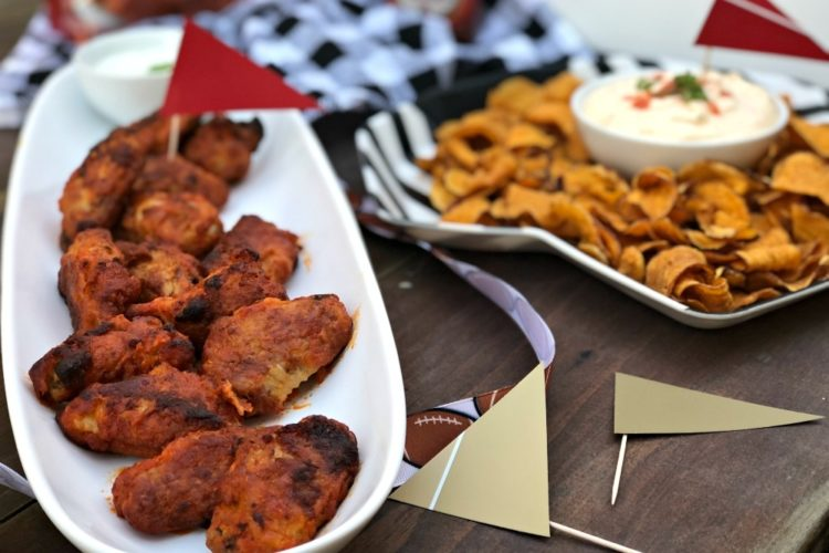 Last Minute Party Ideas for Game Day #ad #FranklyDeliciousWings #Frank'sRedHot #FranksWingsAtWalmart #SuperBowlpartyideas