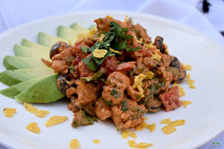 Loaded Taco Chicken Salad #tacochickensalad #chickensaladrecipe #tacochicken #easylunchideas #lunchrecipe